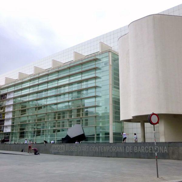 Plaza de conservador/a de colección y exposiciones en el MACBA